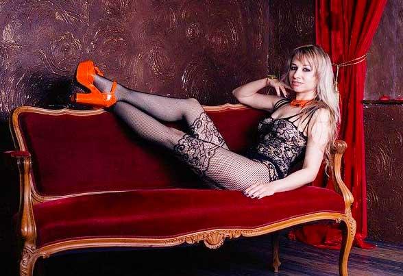 Jedes Sofa kann zum Sex Sofa werden - es gibt aber auch professionelle Stücke